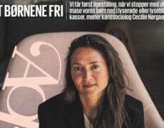 Cecilie rydder forsiden af Berlingske. Interview om 'HAN HUN HEN'